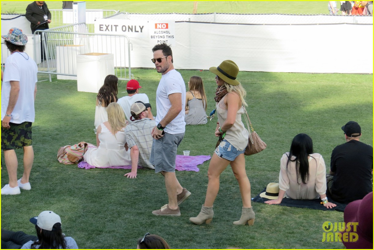 hilary duff mike comrie backstage coachella musica festival 2014 173090446