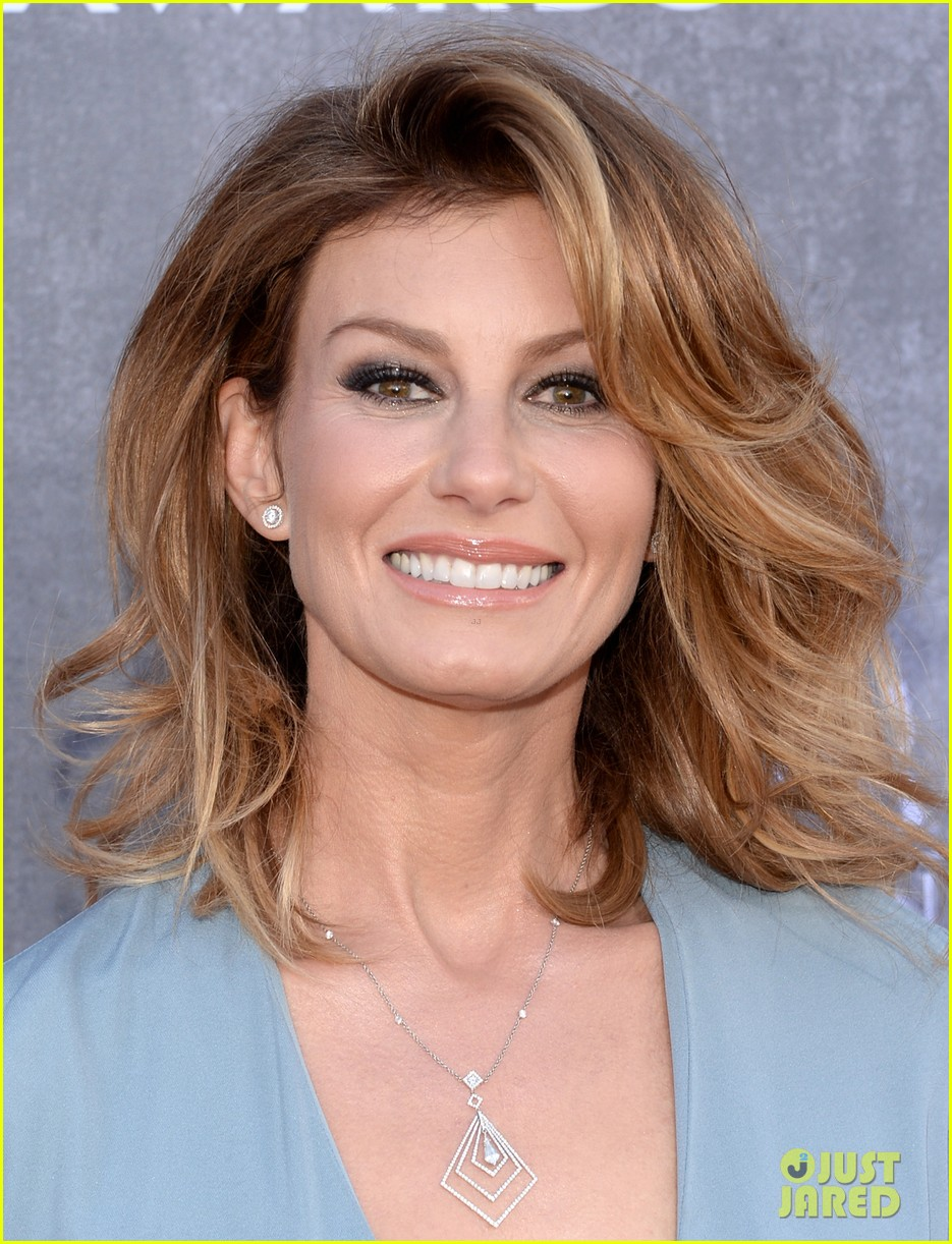 faith hill tim mcgraw picture perfect couple at acm awards 2014 073085839