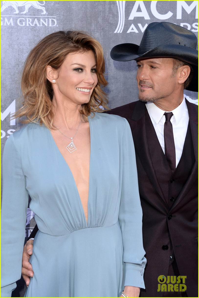 faith hill tim mcgraw picture perfect couple at acm awards 2014 083085840