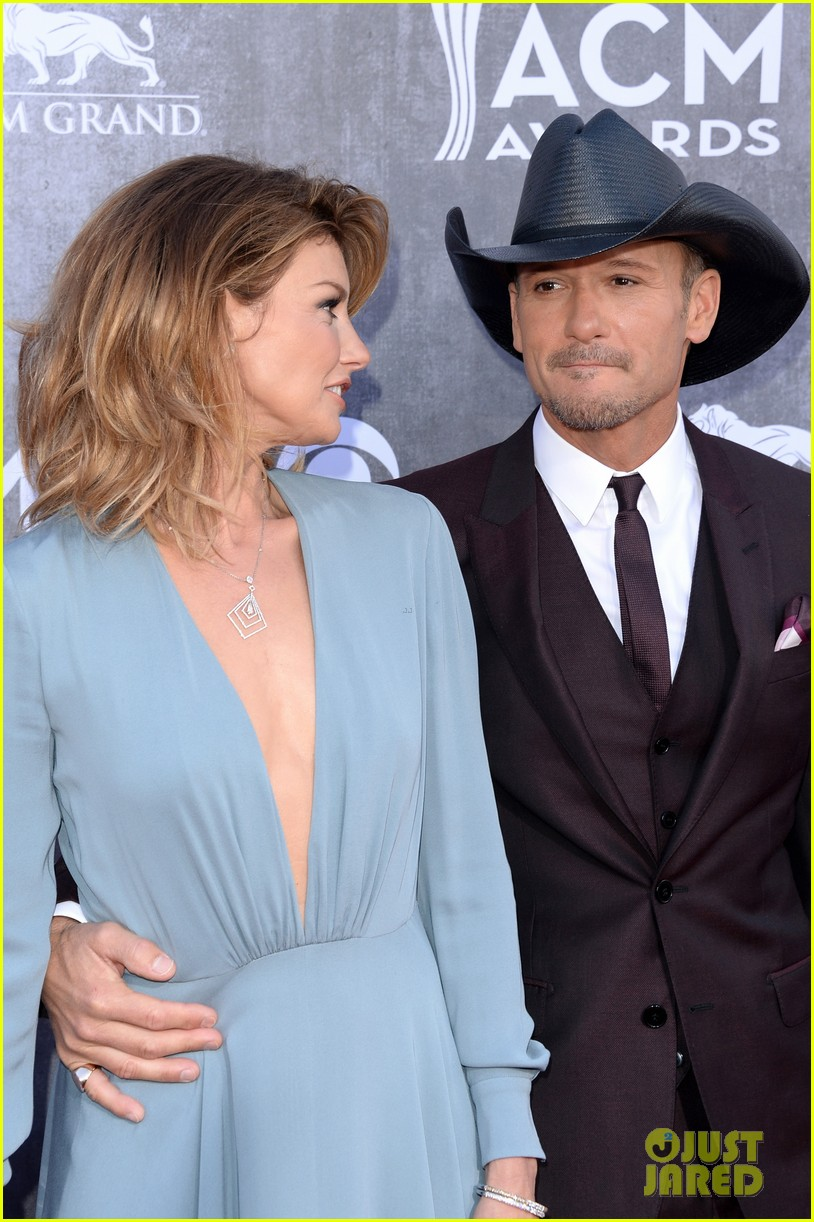 faith hill tim mcgraw picture perfect couple at acm awards 2014 093085841