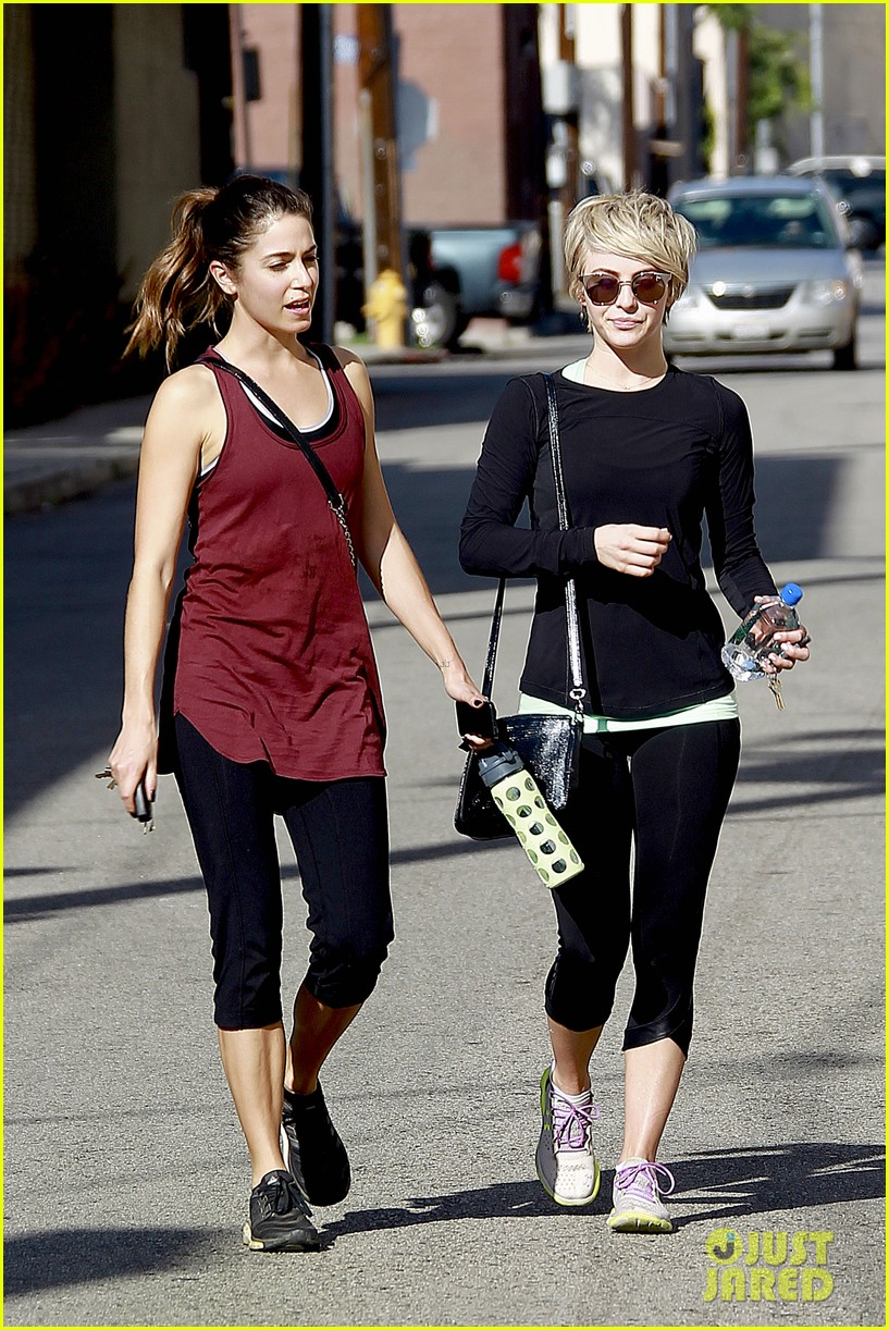 julianne hough nikki reed hiking with cara santana 09