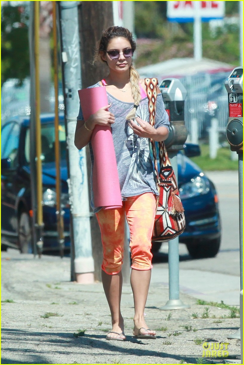 vanessa hudgens braids for yoga session 063099758