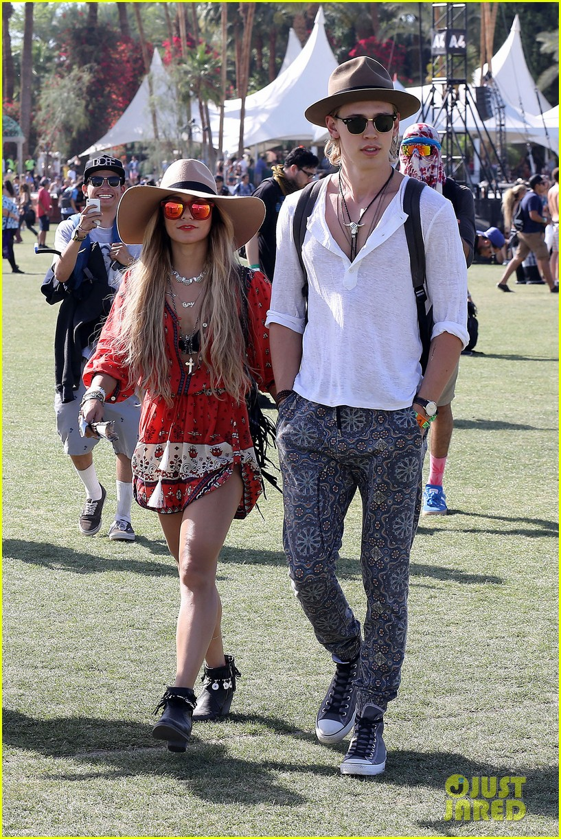 vanessa hudgens austin butler such a cute coachella couple 013091491