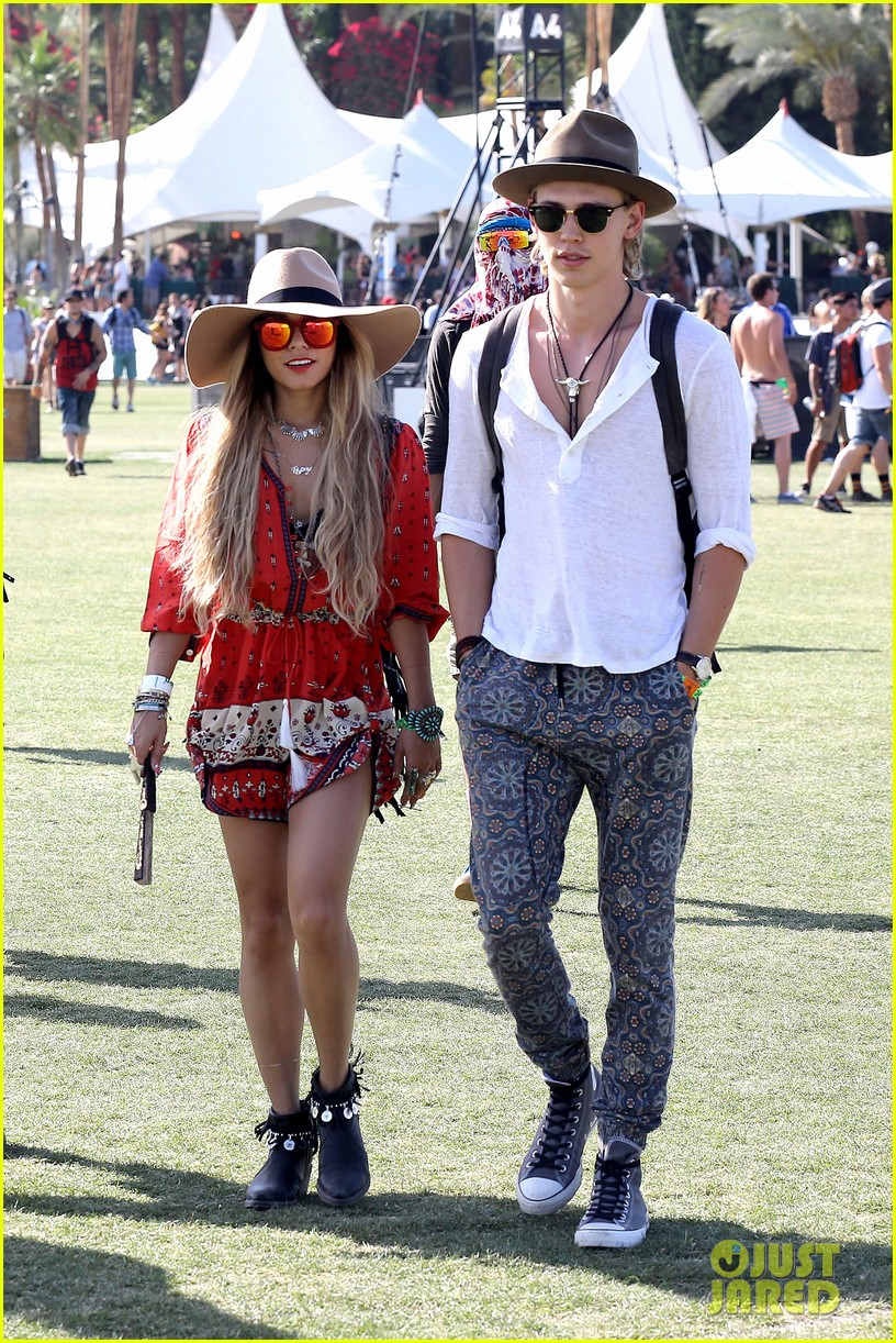 vanessa hudgens austin butler such a cute coachella couple 063091496