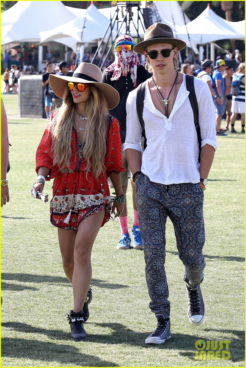 vanessa hudgens austin butler such a cute coachella couple 073091497