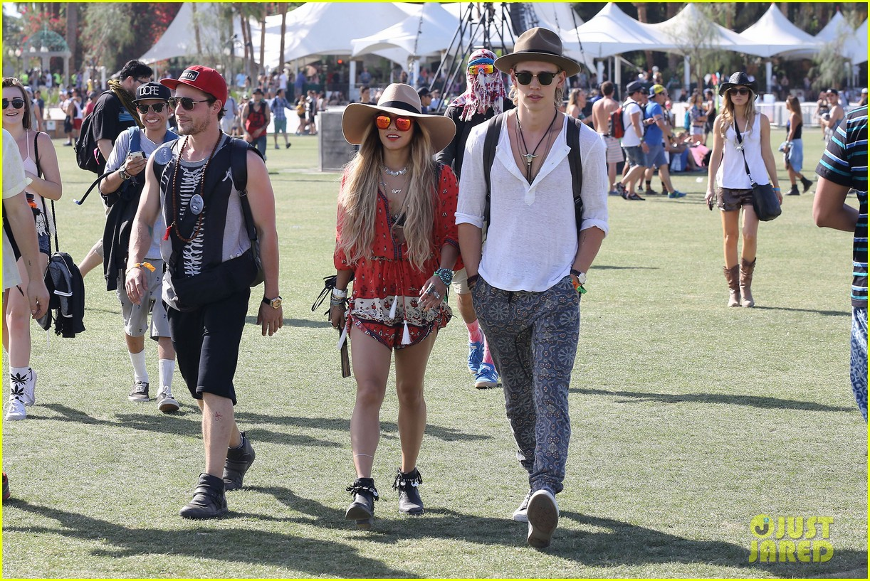 vanessa hudgens austin butler such a cute coachella couple 153091505