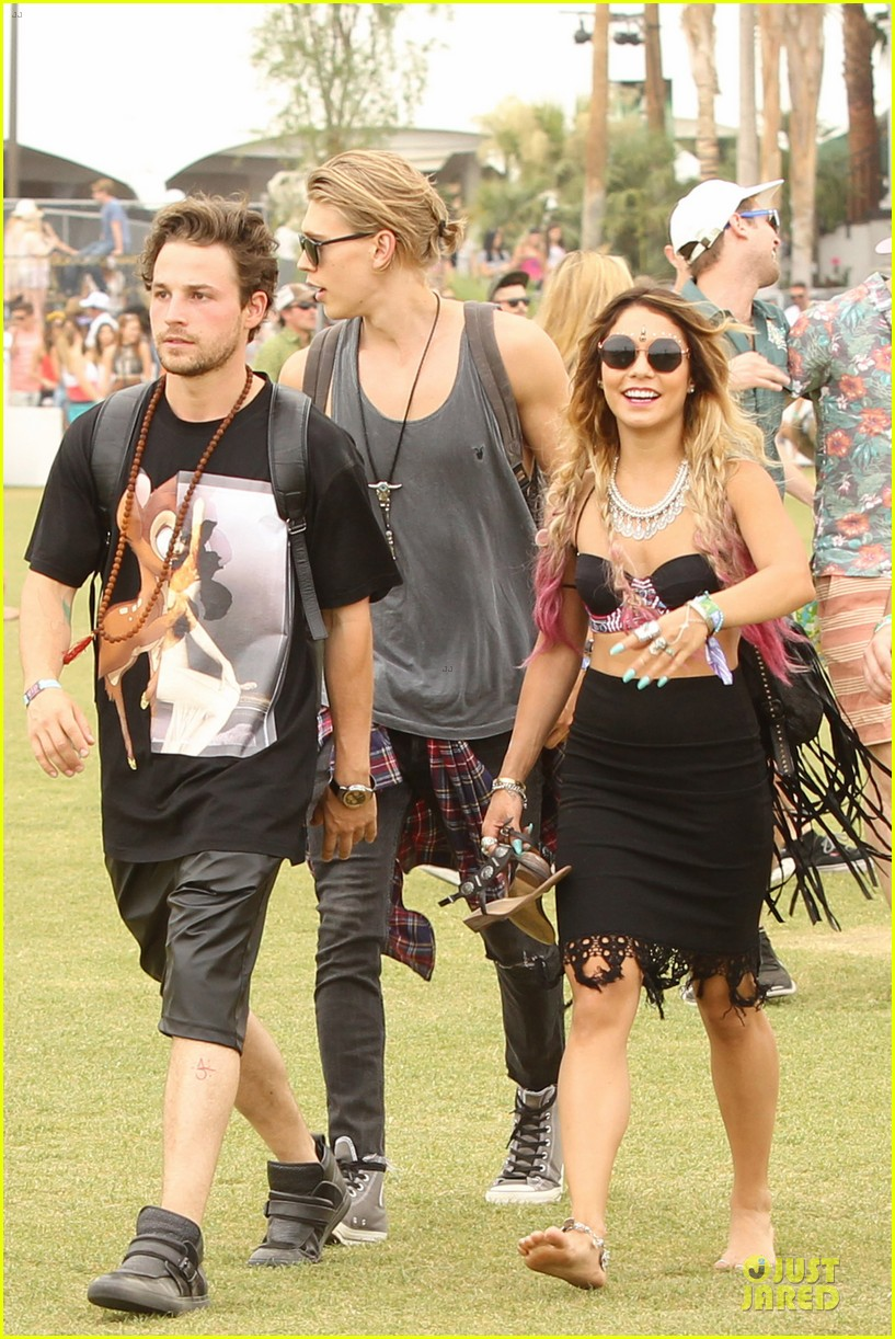 vanessa hudgens austin butler couldnt get enough of coachella 013094958