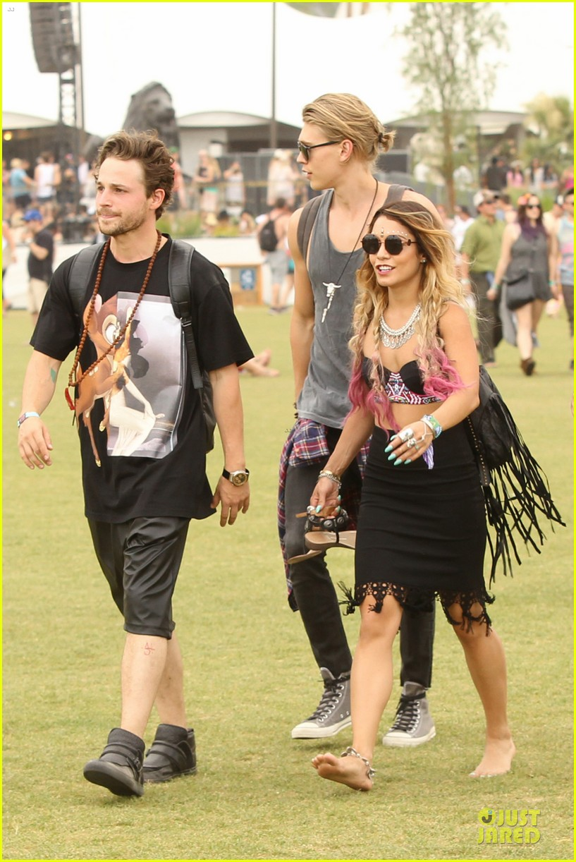 vanessa hudgens austin butler couldnt get enough of coachella 063094963
