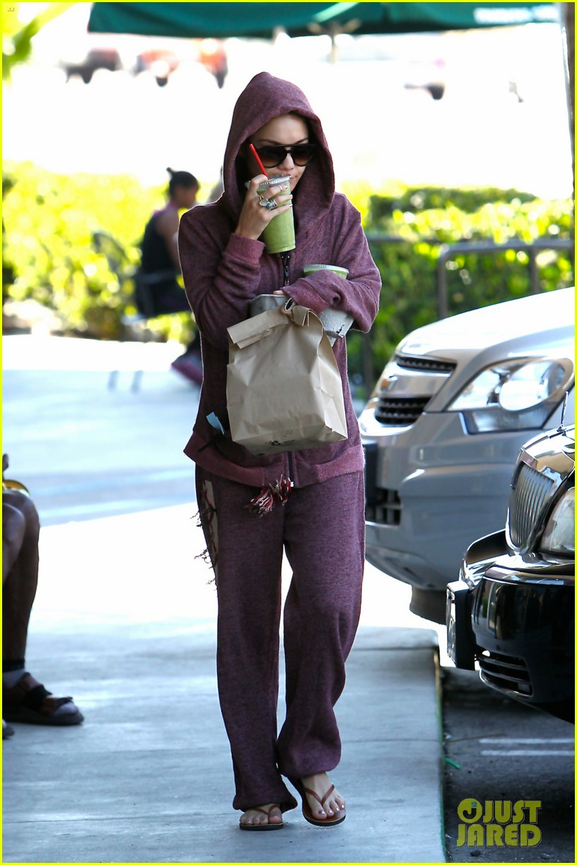 vanessa hudgens head to to purple at gym 053086462