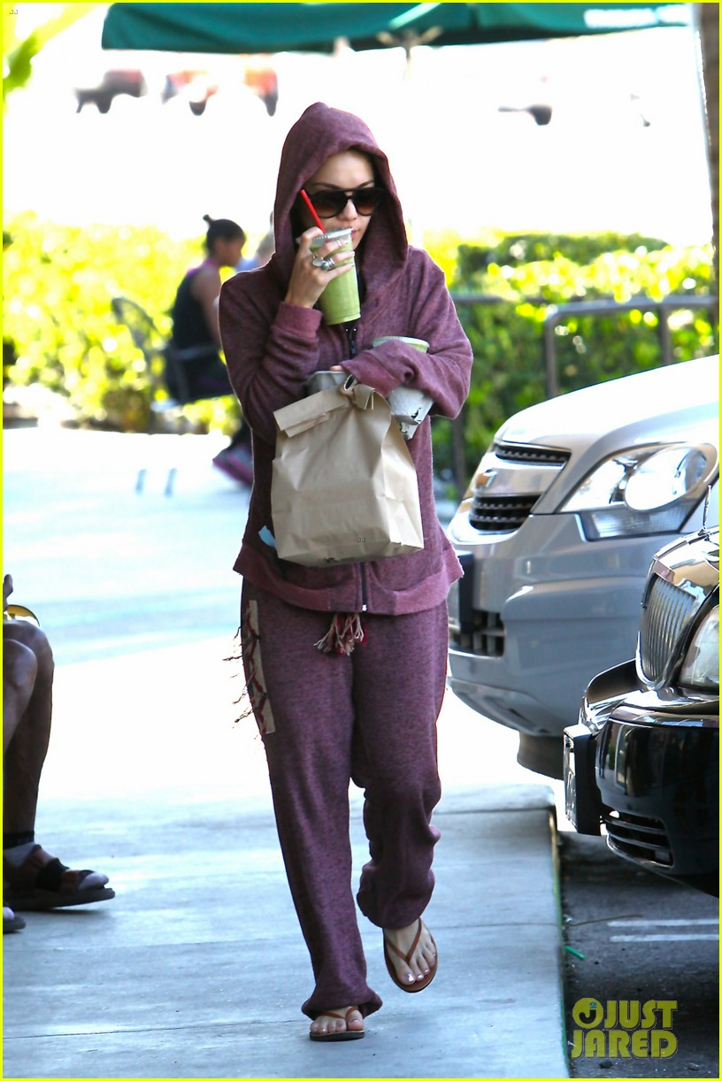 vanessa hudgens head to to purple at gym 133086470