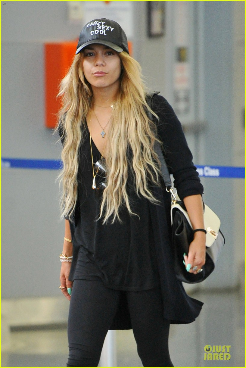 vanessa hudgens sunglasses red at lax airport 073099548
