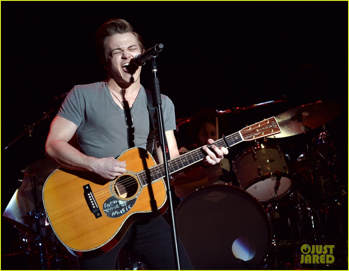 hunter hayes stagecoach show storyline album release 08