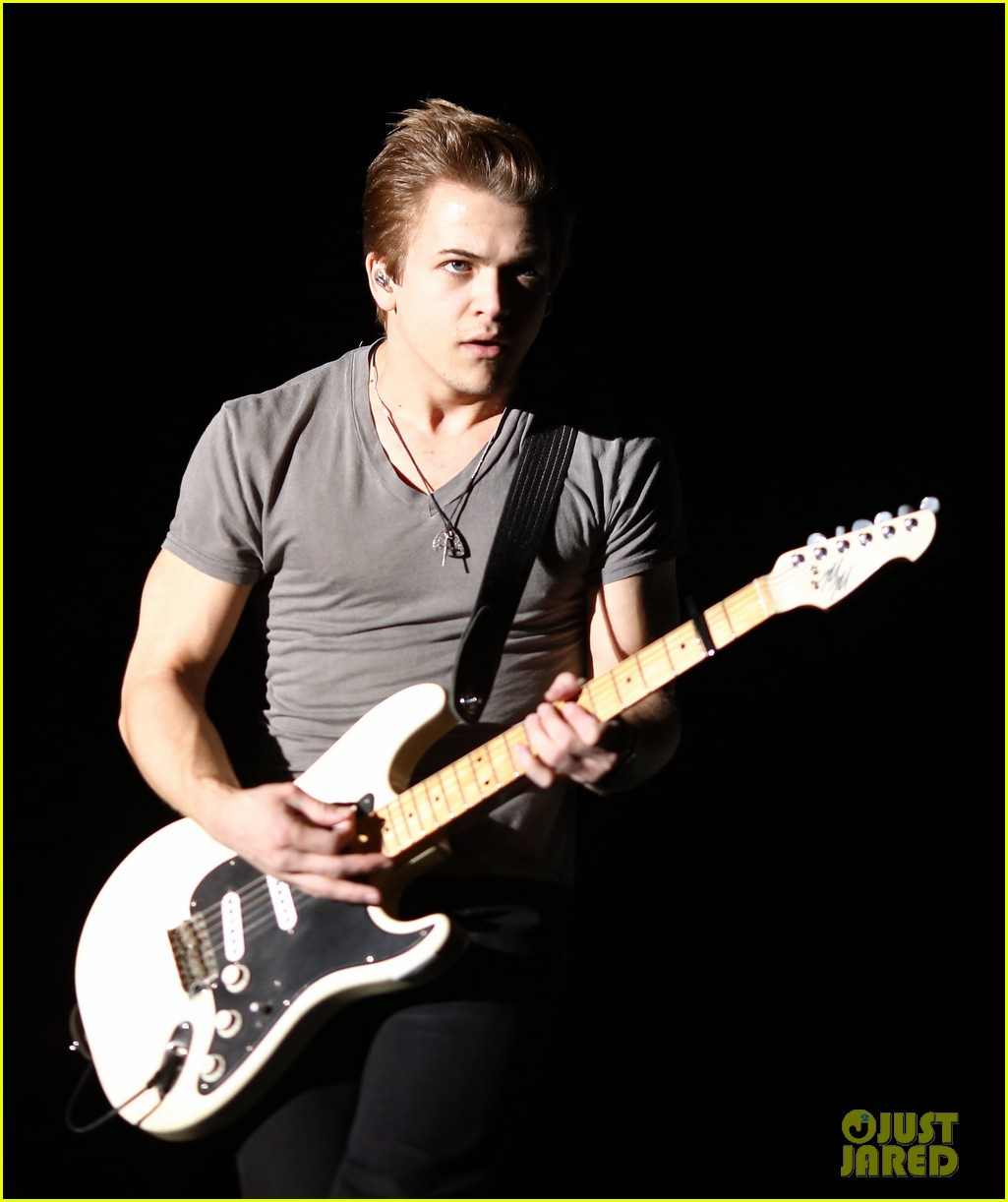 hunter hayes stagecoach show storyline album release 093100273