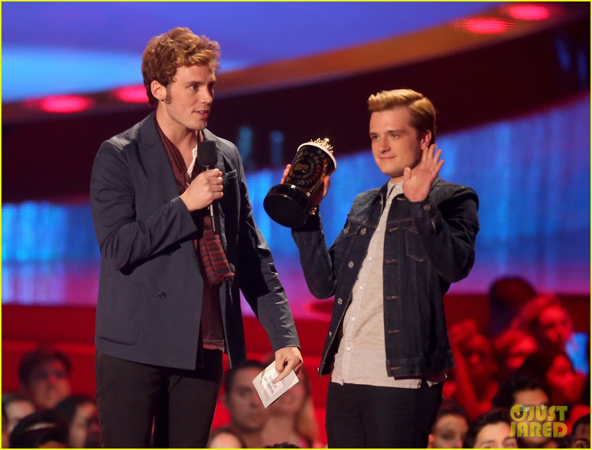 josh hutcherson pays tribute to philip seymour hoffman at mtv movie awards 2014 083091409