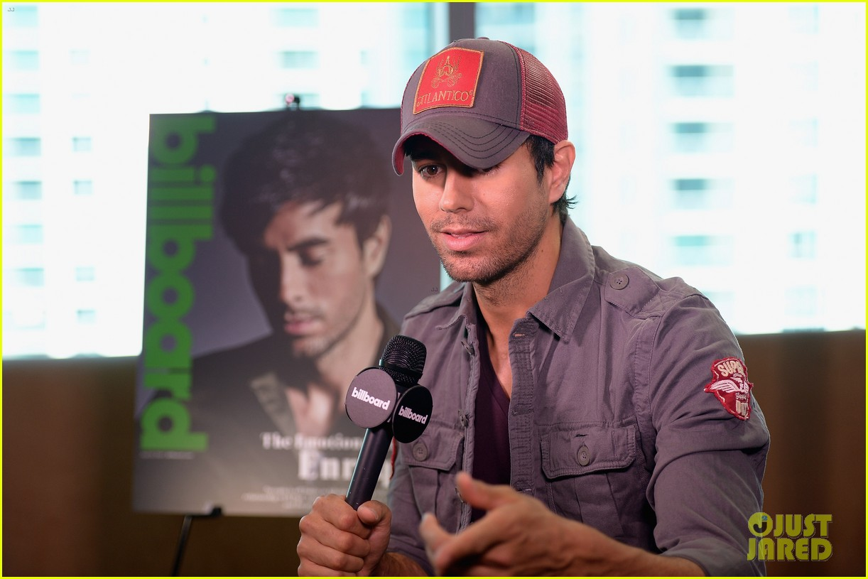enrique iglesias announces fall tour with pitbull j balvin at billboard event 093098091