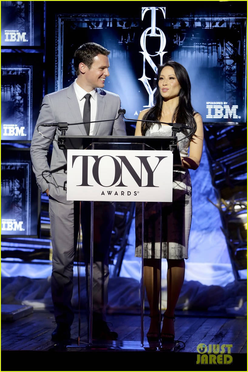 hugh jackman surprises jonathan groff lucy liu at tony awards announcements 063101567