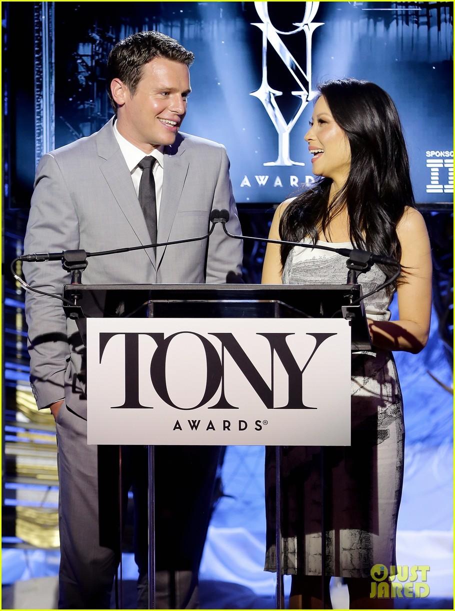 hugh jackman surprises jonathan groff lucy liu at tony awards announcements 073101568