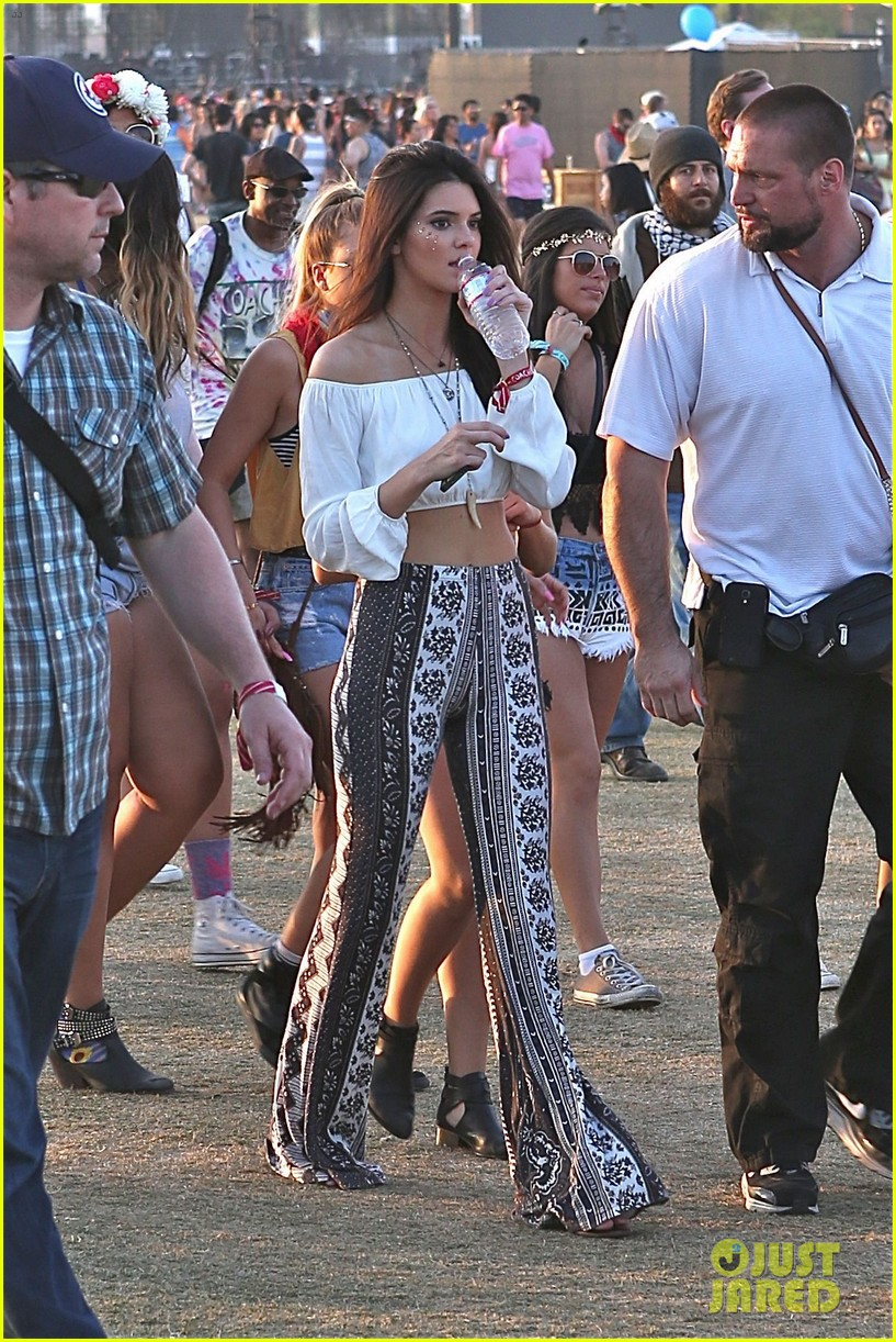 kendall kylie jenner bring their bodyguards to coachella 013095444