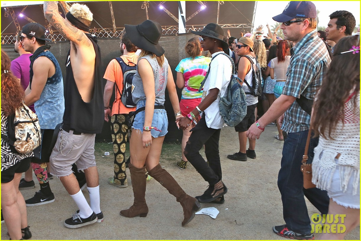 kendall kylie jenner bring their bodyguards to coachella 10