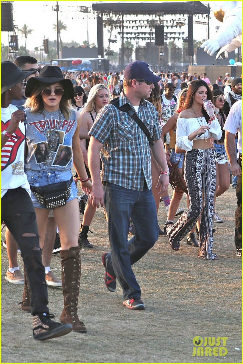 kendall kylie jenner bring their bodyguards to coachella 163095459