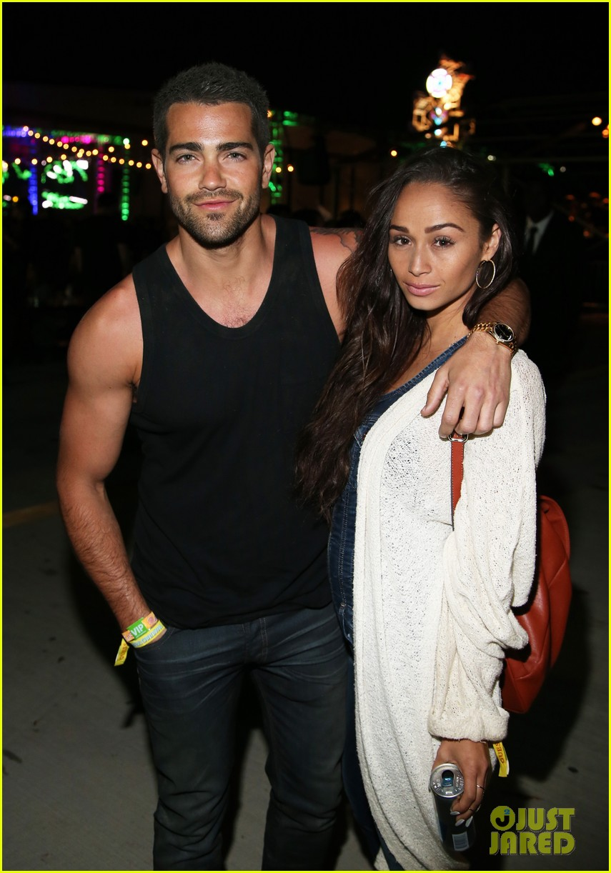 jesse metcalfe cara santana couple up neon carnival 033090503