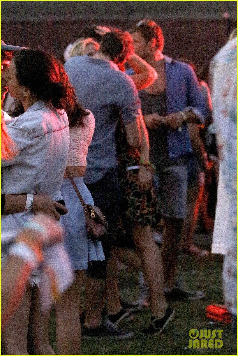 joe jonas dianna agron desert pool party pals coachella 343090580