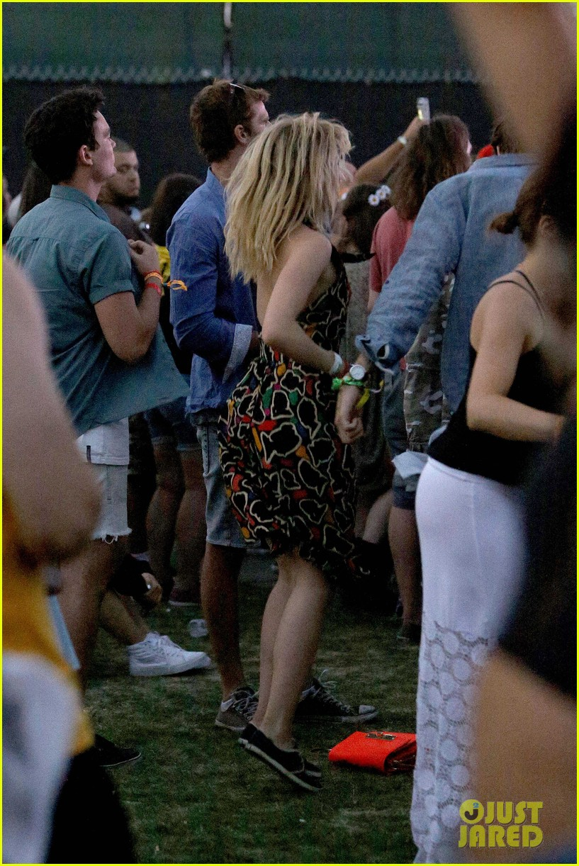 joe jonas dianna agron desert pool party pals coachella 383090584