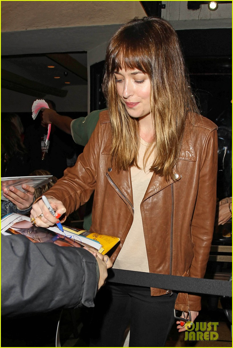 dakota johnson gets ready for a night full of music at pettyfest 023084502
