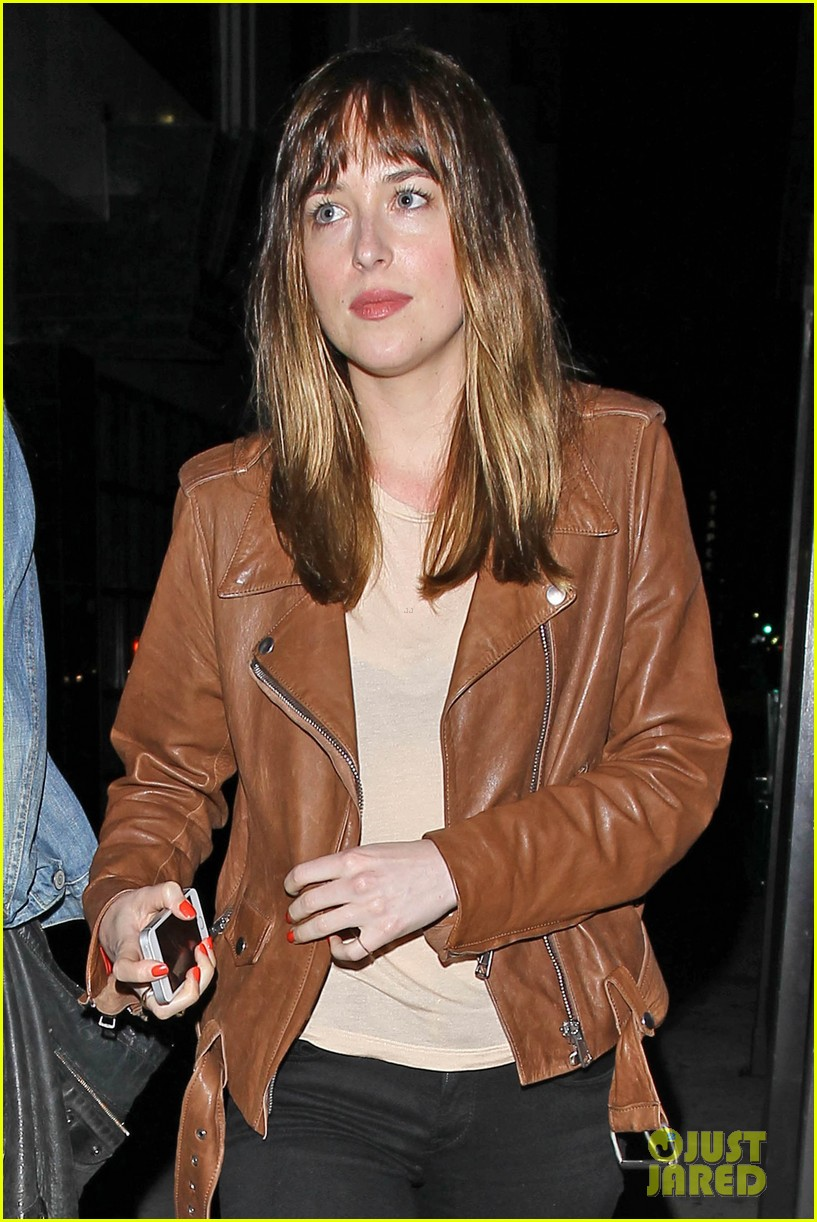 dakota johnson gets ready for a night full of music at pettyfest 033084503