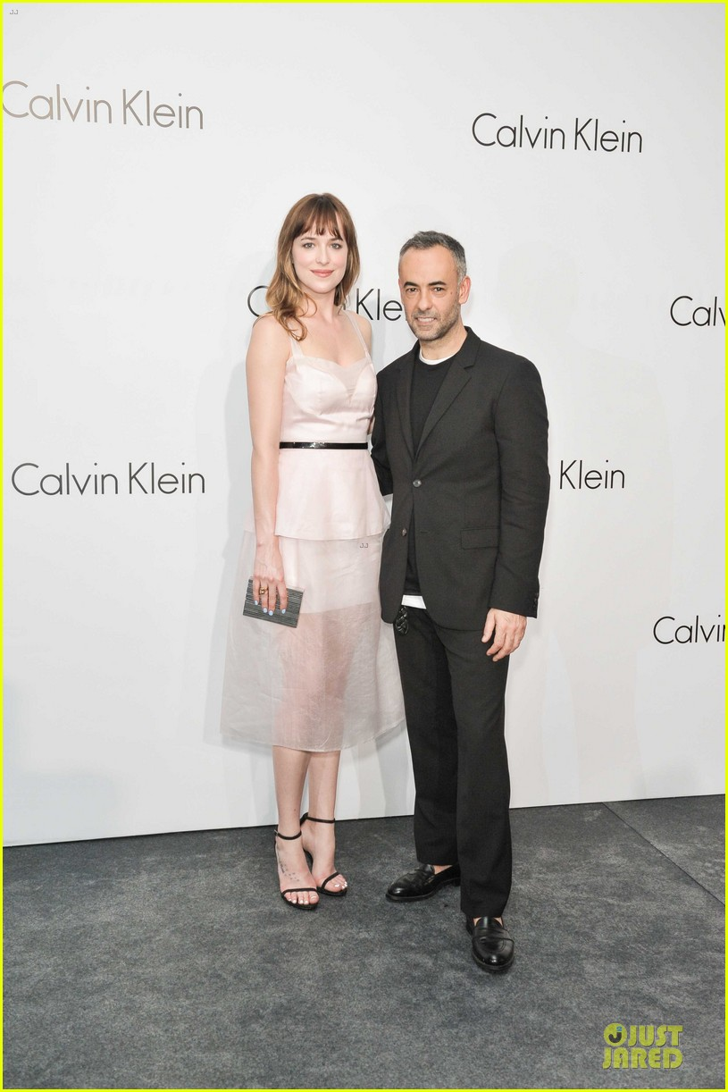 dakota johnson ziyi zhang celebrate calvin klein 033089669