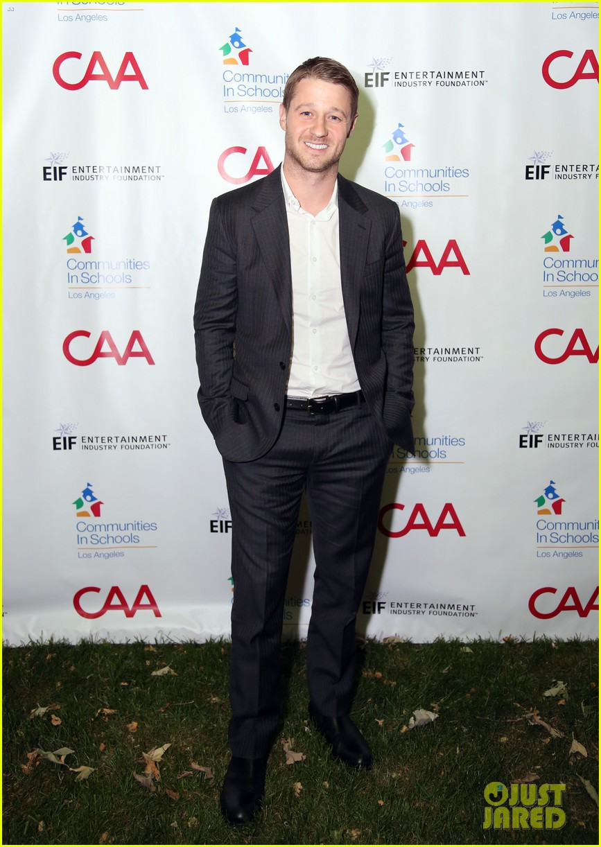 nick jonas shows his support for communities in schools of los angeles 103102344