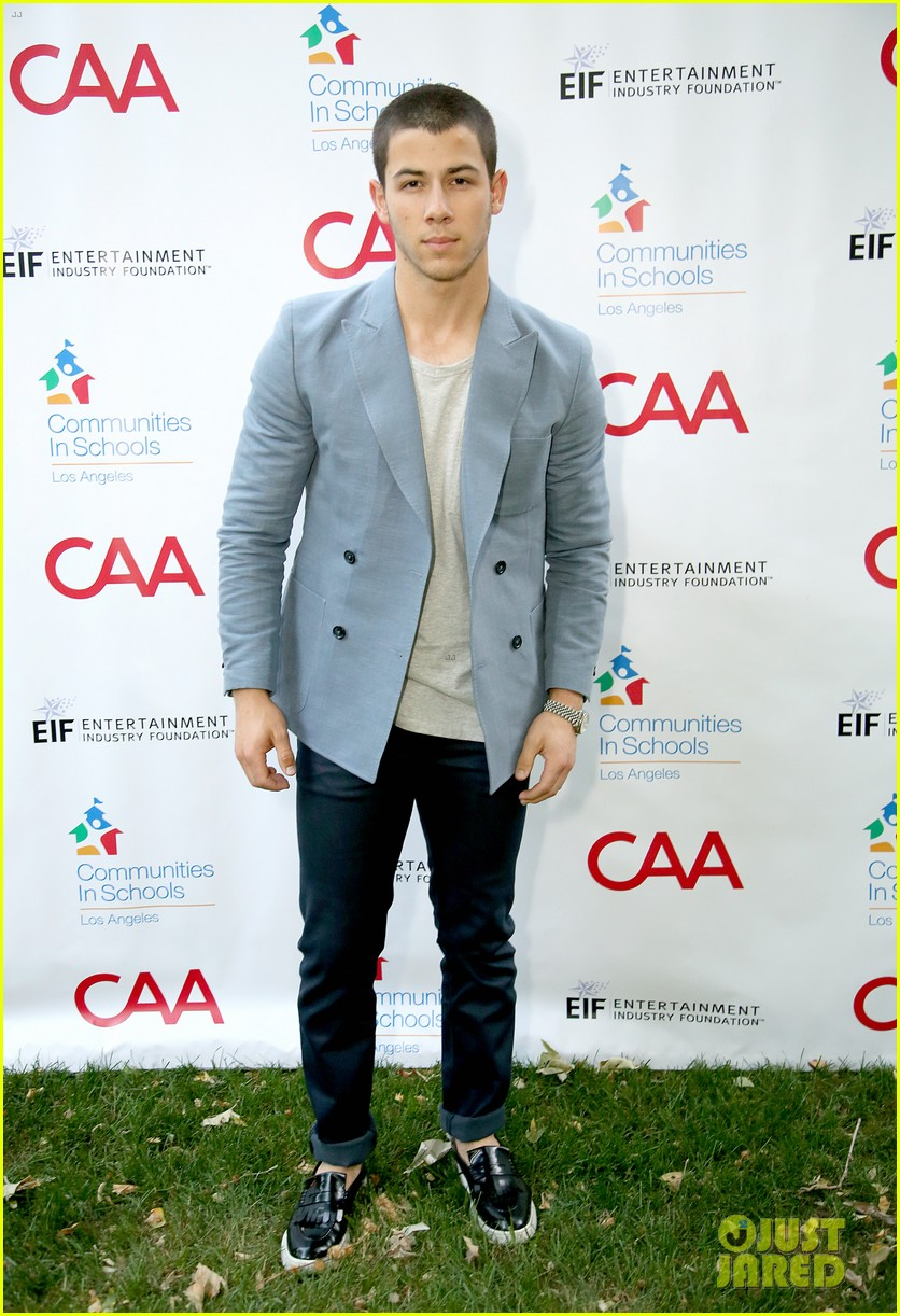 nick jonas shows his support for communities in schools of los angeles 133102347