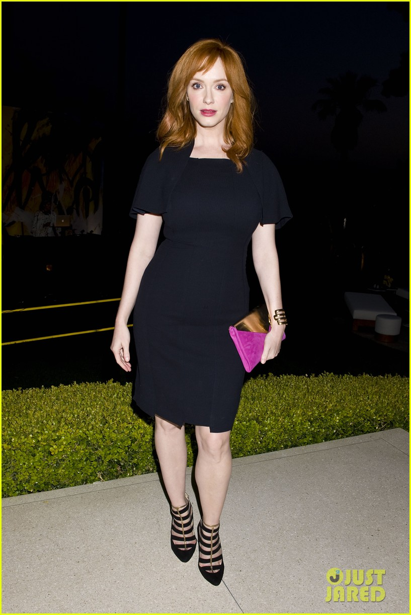 january jones christina hendricks ladies of mad men help launch jimmy choos choo 08 09