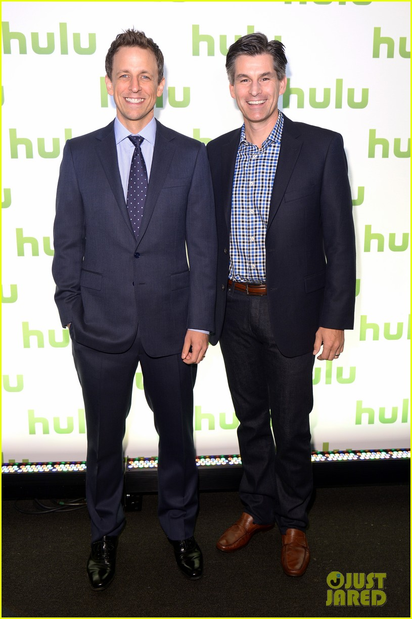mindy kaling gillian jacobs hulu upfronts 113102451