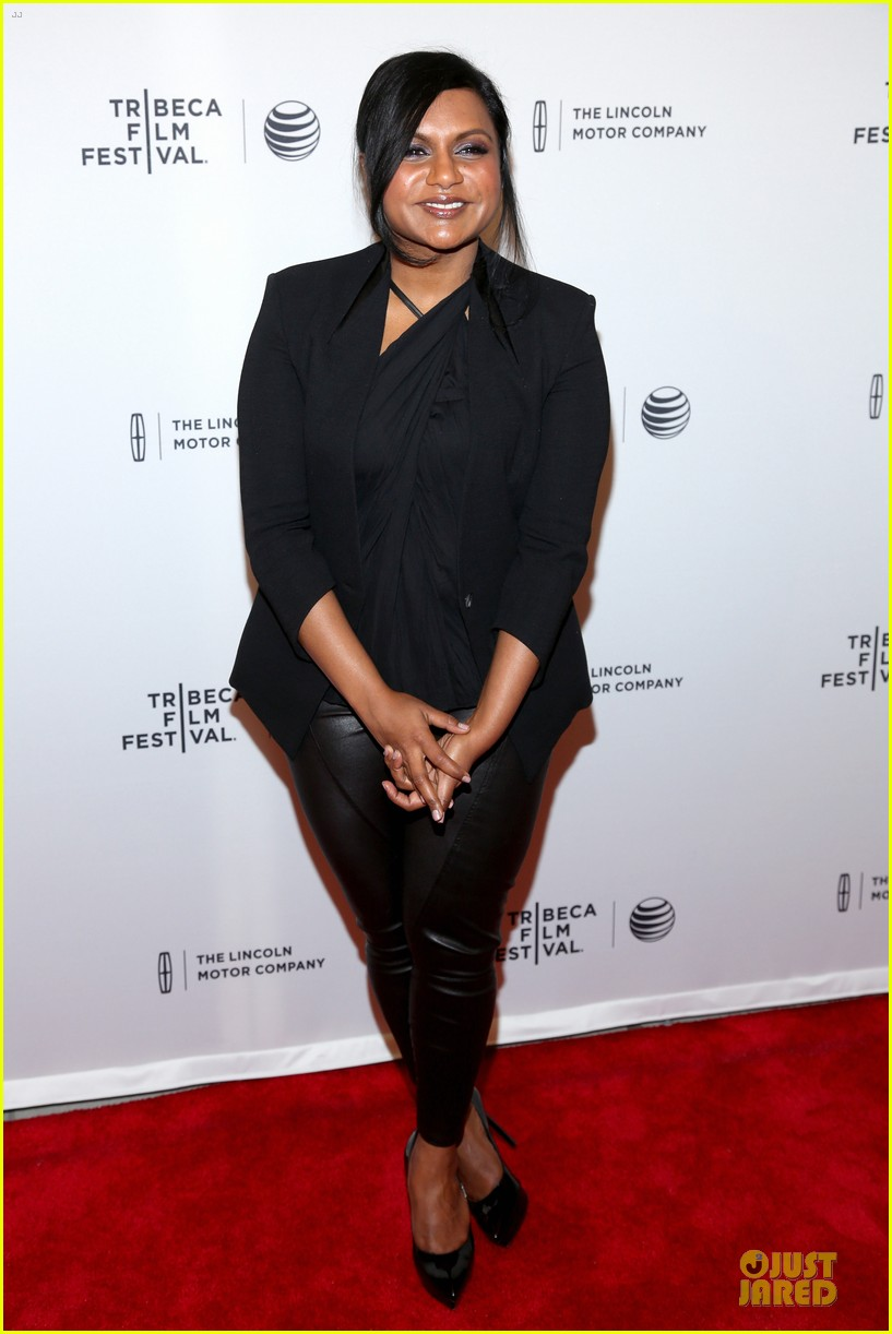 mindy kaling chris messina alex of venice tribeca premiere 063094842