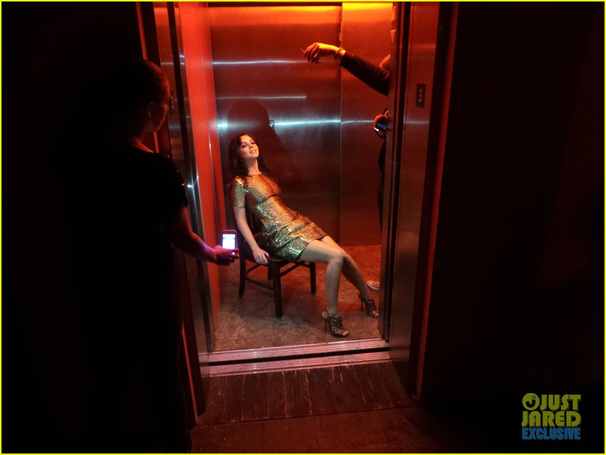 adelaide kane just jared spotlight series behind the scenes photos 123092522