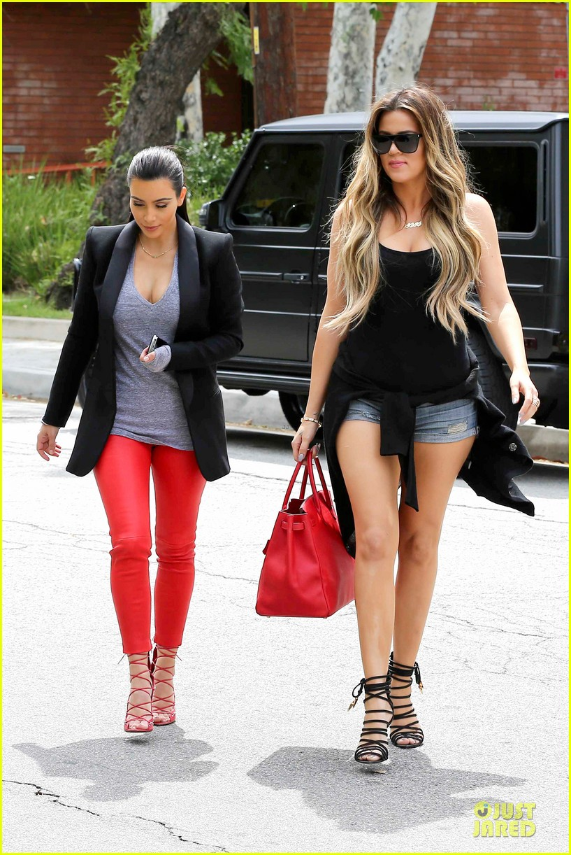 kim kardashian likes to tell sis khloe to drink it up 03