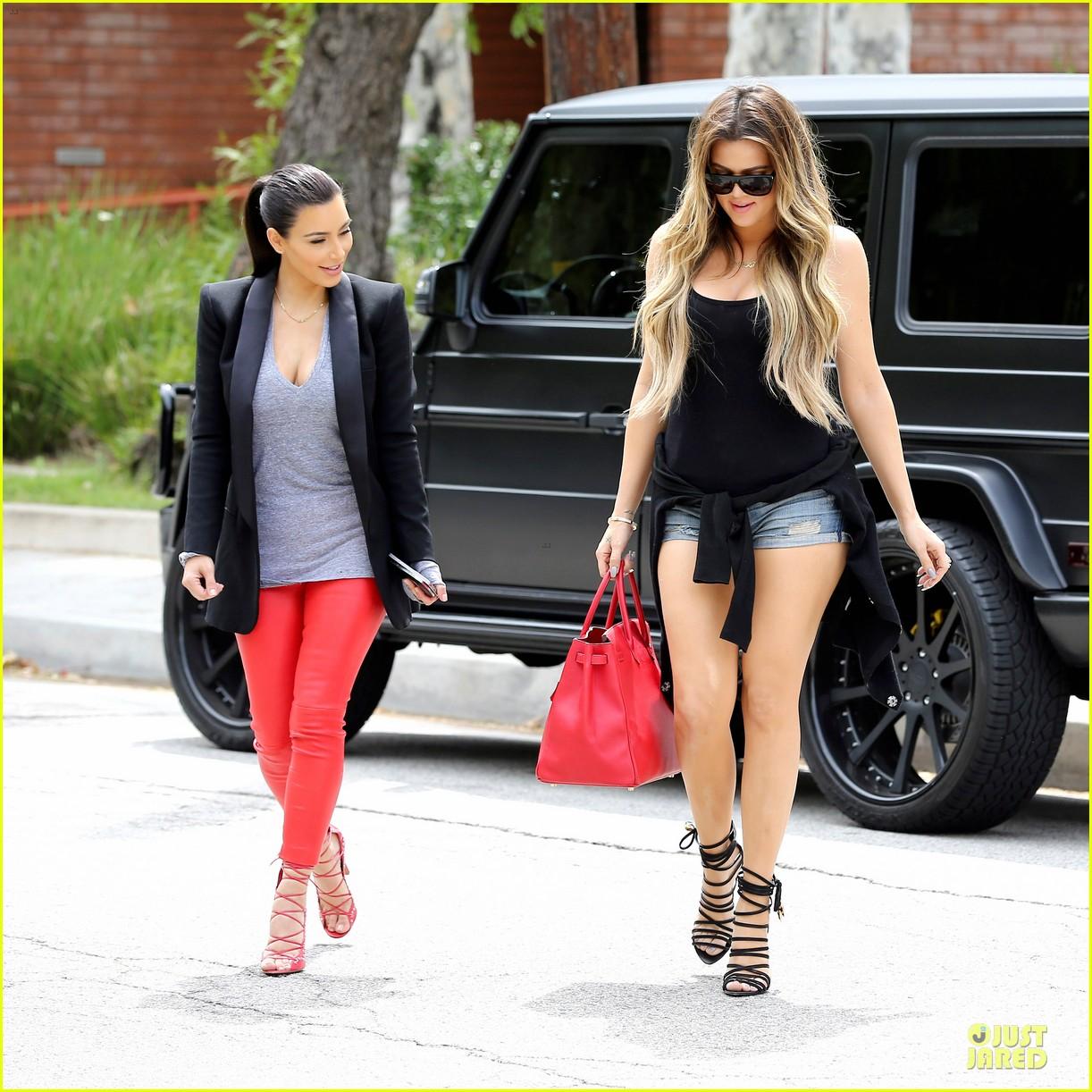 kim kardashian likes to tell sis khloe to drink it up 153099372
