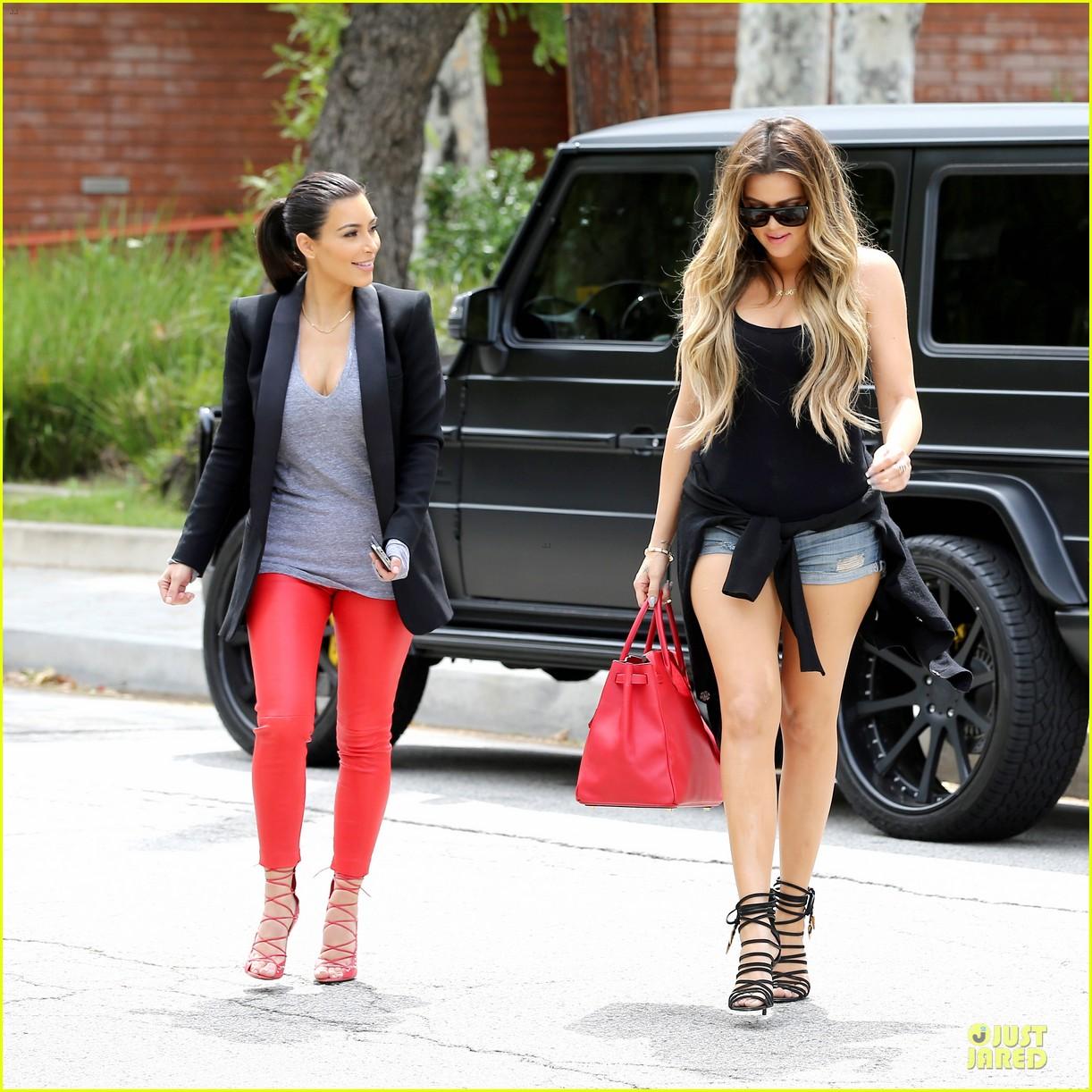 kim kardashian likes to tell sis khloe to drink it up 193099376