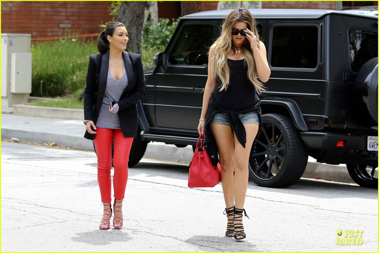 kim kardashian likes to tell sis khloe to drink it up 213099378