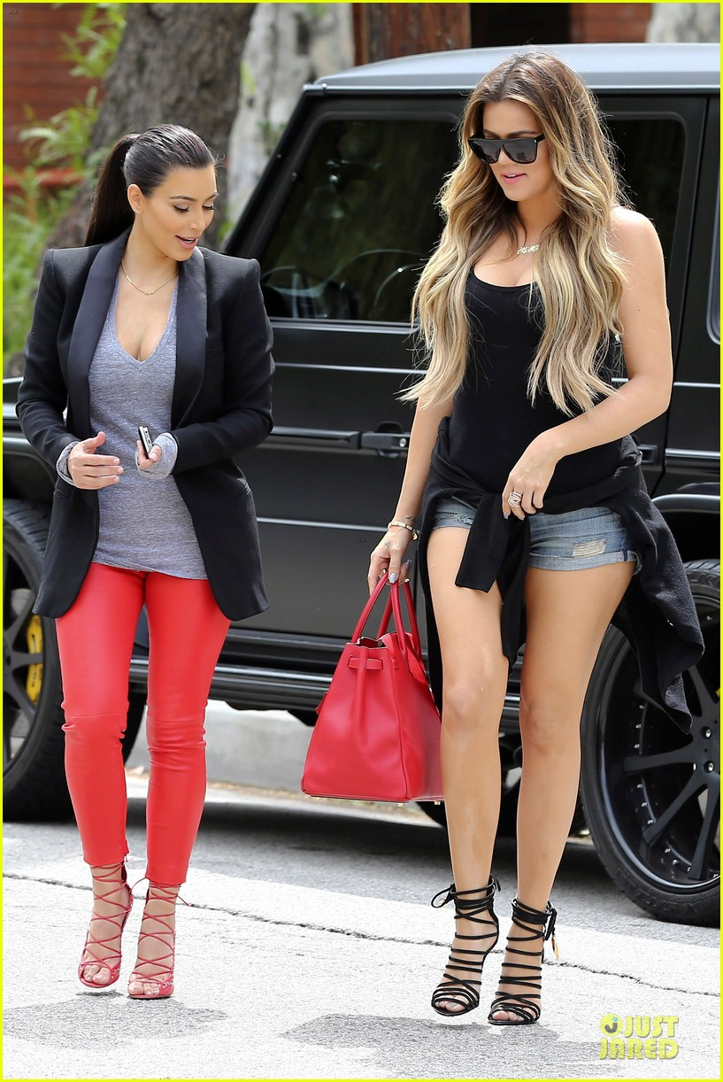 kim kardashian likes to tell sis khloe to drink it up 263099383