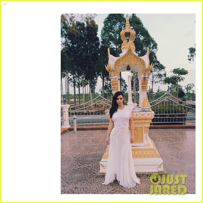kim kardashian failed selfie with elephant 013084668