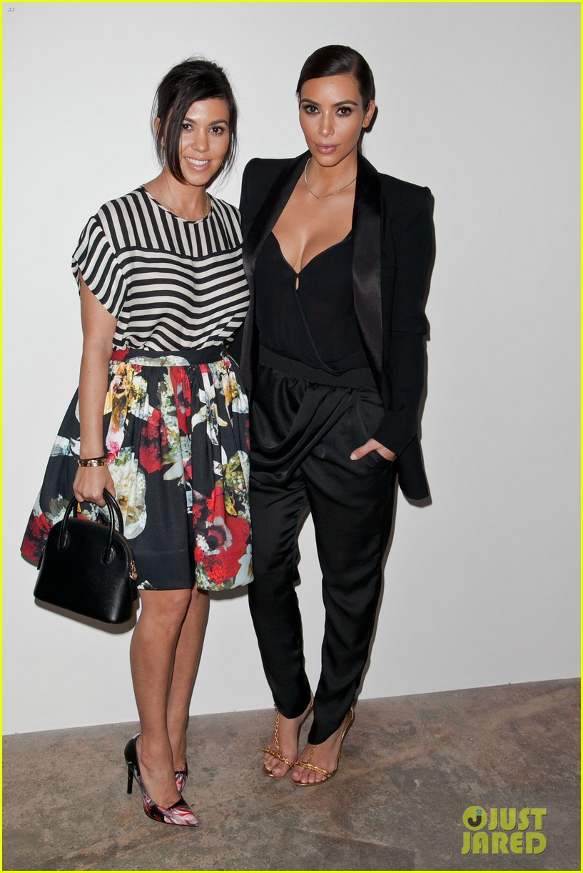 kim kardashian katy perry step out to support marianne williamson 053087383