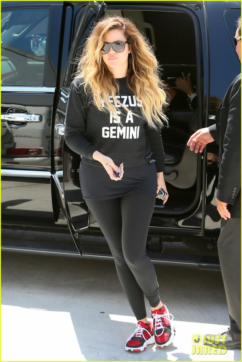 khloe kardashian endorses the messy bun hairstyle 023098703