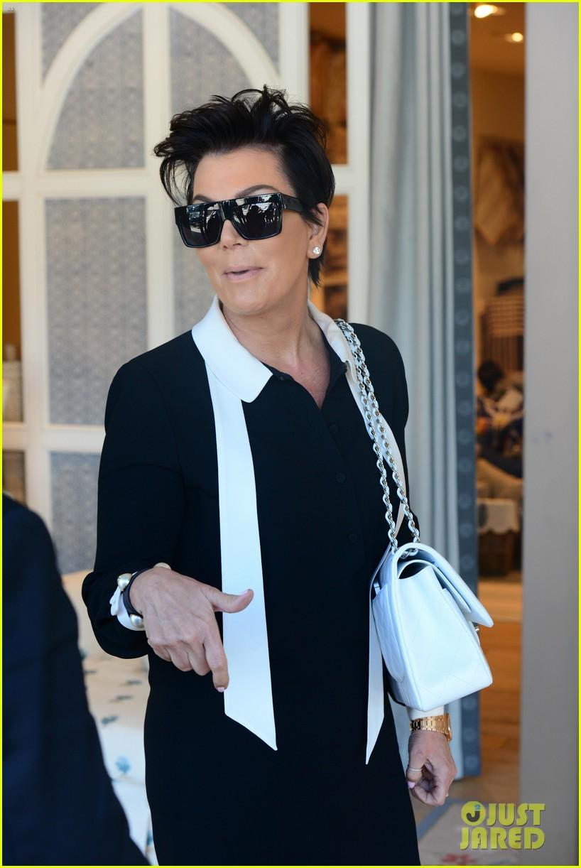 khloe kardashian endorses the messy bun hairstyle 043098705