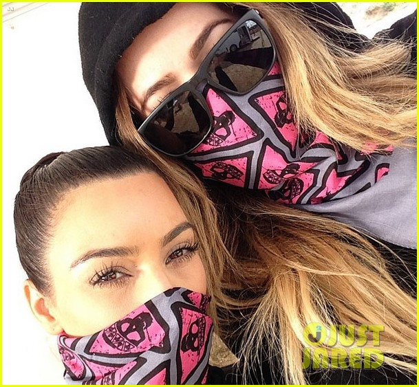 kim kardashian mud run with khloe 023100893