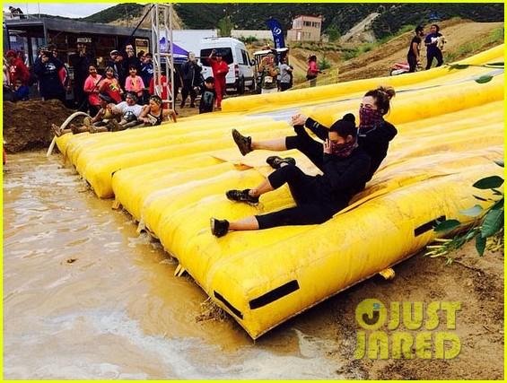 kim kardashian mud run with khloe 053100896