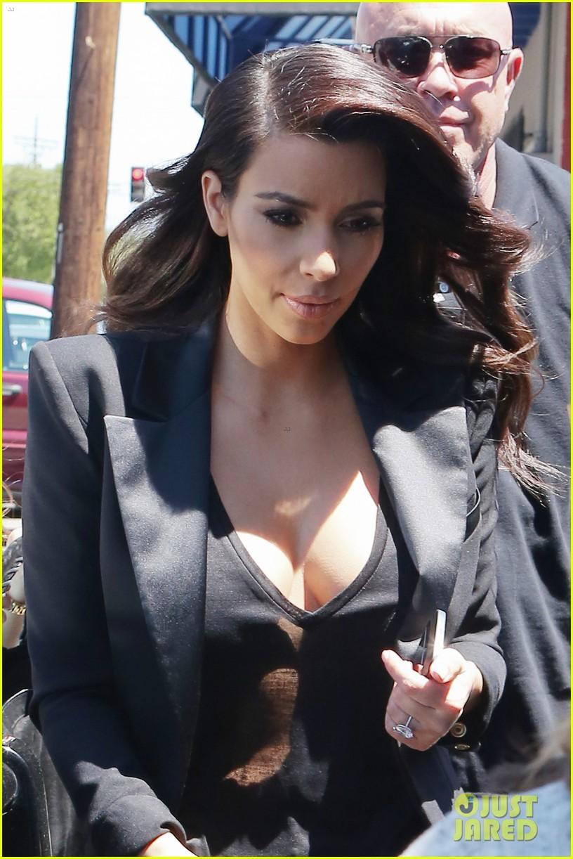 kim kardashian mud run with khloe 103100901
