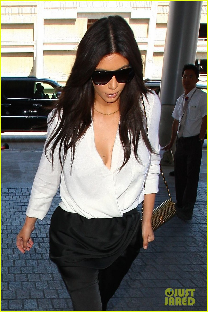 kim kardashian flies out of town amid new wedding rumors 033101772