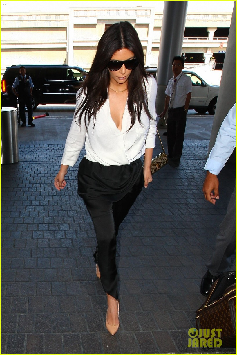 kim kardashian flies out of town amid new wedding rumors 043101773